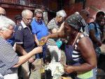 Groqueausschank an Touris auf Sao Antao, Kapverden