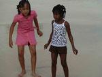 Mädchen am Strand der British Virgin Islands