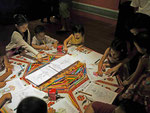 Kinder im Museum in Singapur