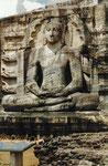 Riesenbuddhastatue in Polonaruwa, Sri Lanka