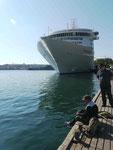 Kreuzfahrtschiff am Grafenkai in Sewastopol, Krim, Ukraine