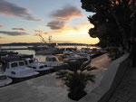 Am Hafen von Brela, Markarska Riviera, Kroatien