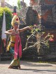 Tempeltänzerin beim Barong, Bali, Indonesien