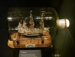 Internationales Maritimmuseum, Hamburg, Buddelschiff aus Elfenbein