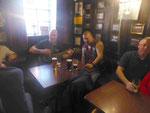 Folksinger am Sonnabend im Scotia Pub in Glasgow, Schottland