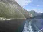 Regenbogen im Geirangerfjord, Norwegen
