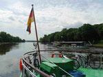 Dampfschiffe nahe Schloss Pillnitz