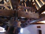 Holz 3: Mahlwerk in einer Windmühle in Consuegra, Spanien