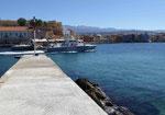 Griechisches Küstenwachboot im Hafen von Chania, Kreta