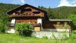 Bauernhaus mit Holzfassade in Südtirol