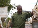 Ranger am Mara-Fluss in Kenia