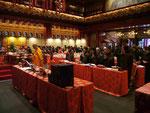 Im buddhistischen Tempel in Singapur