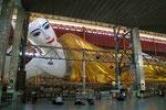 Liegender Riesenbuddha  in Yangon, Myanmar (Burma)