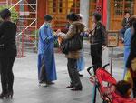 Segnung im daoistischen Tempel in Taipei, Taiwan