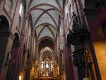 Dom zu Worms, Innenansicht mit barockem Altar von Balthasar Neumann