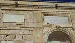 Marmorne Schrifttafeln an der ehemaligen Moschee in Chania, Kreta