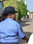 Polizistin in Praia, Hauptstadt der Kapverden