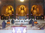 Im Hauptschrein, Fo Guang Shan Kloster nahe Kaoshung, Taiwan