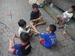 Spielende Kinder, Bali, Indonesien
