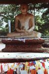 Buddhafigur in Anuradnahpura, Sri Lanka
