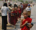 Kindermönche in Myanmar