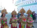 Tänzerinnen auf Bali
