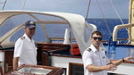 """Kapitän Gerald und ein Offizier an Bord der """"Star Flyer"""""""