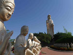 Buddhafiguren im Fo Guang Shan Kloster bei Kaoshung, Taiwan