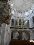 Dresden, Hofkirche - Kanzel und Silbermannorgel