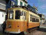 Oldtimerstraßenbahn in Porto, Portugal