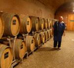 Kellermeister im Weingut Brigl, Südtirol
