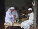 Mittagspause am Muttertempel, Bali, Indonesien