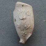 Fragment met Tulp. Laatste decennia van 1600, onbekend waar gemaakt. Andere zijde ontbreekt