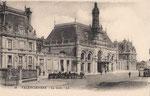 La seconde gare de Valenciennes qui remplaça la précédente en 1909. Elle fut fortement endommagée durant la Première Guerre. (Coll. part.)