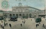 La gare de Lille dans les année 1900. Elle remplaça un débarcadère construit en 1848 et fut construite en 1867 avec la façade de la gare du Nord à Paris. (Coll. part.)