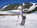 白雲岳避難小屋近くの雪渓