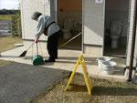 屋外トイレ清掃