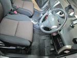 トヨタ イスト 室内前席周辺の嘔吐物汚れおよび使用汚れの車内クリーニング(清掃・洗浄・シミ抜き)後の写真29