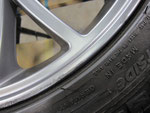 フィアット アバルト695トリブート・フェラーリ の純正アルミホイールのガリ傷・擦りキズのリペア(修理・修復)前の傷のアップ写真5