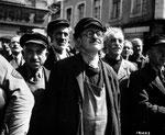 Noch können sie es kaum fassen - Befreiung nach vier Jahren deutsche Okkupation