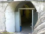 Eingang zum ehemaligen Untergrundhospital der Wehrmacht III