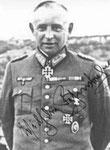 General der Artillerie Wilhelm Fahrmbacher, Kommandeur des LXXXIV. Armee-Korps