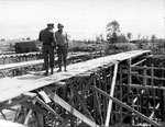 Generale Eisenhower und Bradley bei der Besichtigung der V2 Stellung bei Sottevast-Brix