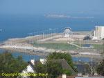 Blick auf die heutigen Militäranlagen des Arsenals von Cherbourg