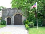Eingang zum Schloss de Servigny