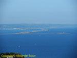 Blick auf die äußere Rade Cherbourgs mit ihren Forts