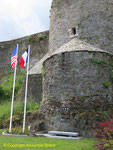 Die Gedenktafel für die 35th ID an der Burgmauer von St-Lo