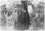 Nach dem Husarenstück von Villers-Bogage, Michael Wittmann bei SS-Oberstgruppenführer, Sepp Dietrich, Kommandeur des I. SS-Panzer-Korps