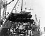 US-Lokomotiven werden ausgeladen