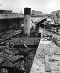 Versenkte deutsche Schiffe blockieren den Hafen III